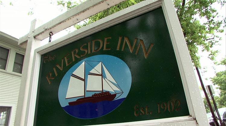 Riverside-Inn-and-Restaurant